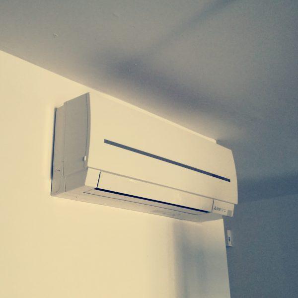 installateur de climatisation à lattes